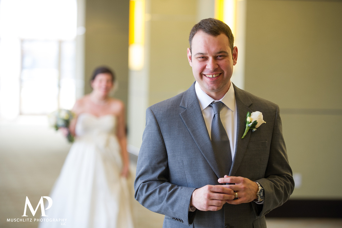 wedding-photography-romantic-spring-wedding-the-hilton-columbus-polaris-ohio