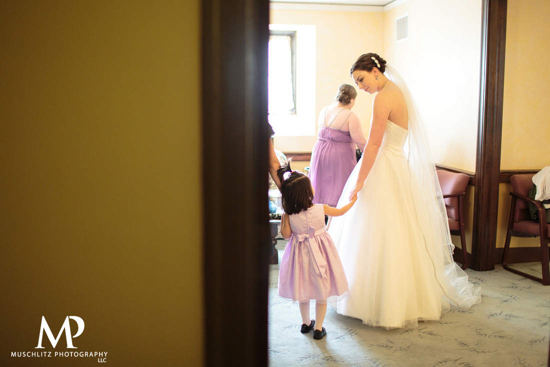 downtown-columbus-ohio-wedding-columbus-athenaeum-first-congregational-church-muschlitz-photography