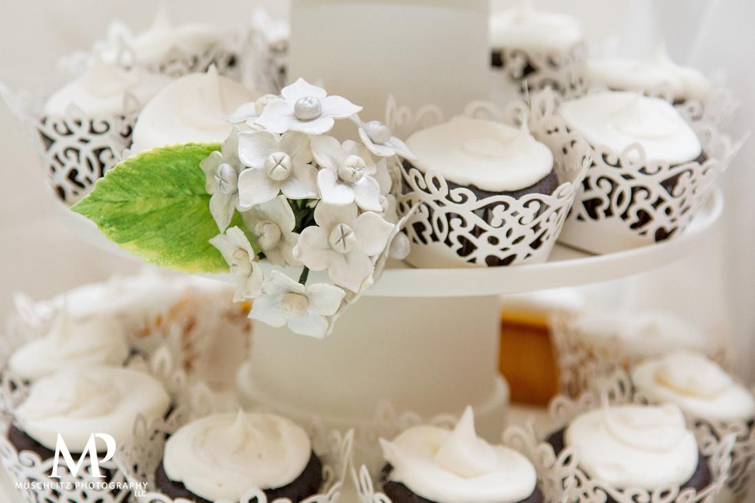 olde-gahanna-sanctuary-wedding-and-reception-gahanna-ohio-muschlitz-photography-wedding-prep