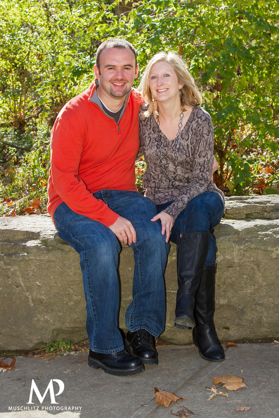 fall-family-portraits-creekside-park-plaza-gahanna-ohio-columbus-portrait-photography-muschlitz-photography