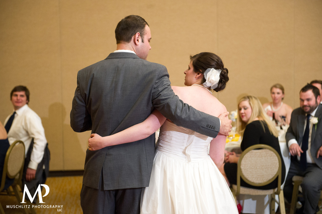 romantic-spring-wedding-columbus-ohio-the-hilton-polaris-muschlitz-photography