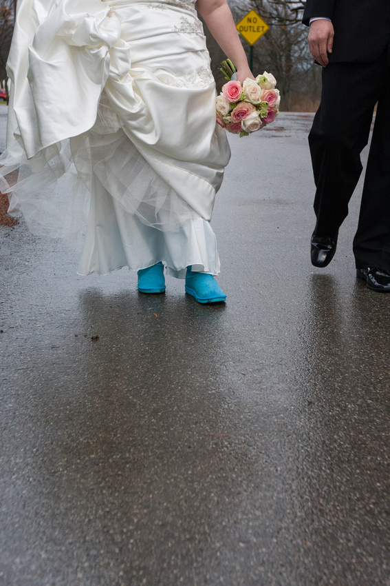 Many brides like to change into flip flops or other comfortable footwear after the ceremony so they can more easily