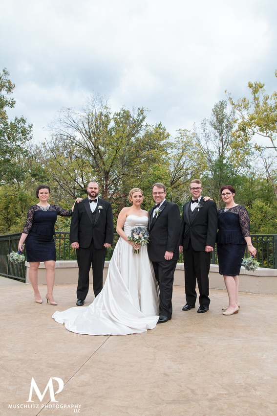 fall-vintage-wedding-bridal-party-portraits-bride-groom-creekside-conference-and-event-center-gahanna-ohio-muschlitz-photography