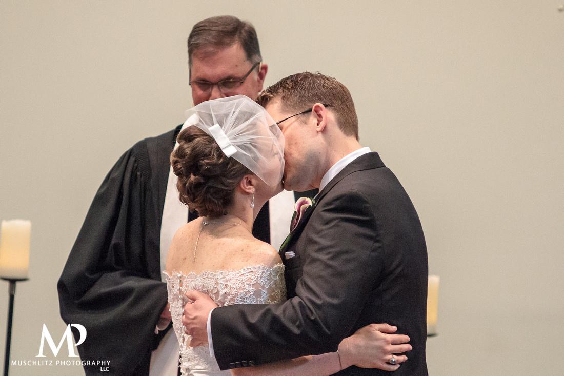 classic-purple-wedding-summer-muschlitz-photography-wedding-ceremony