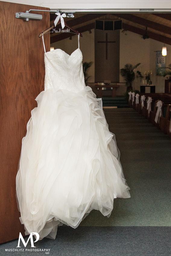 elegant-country-wedding-wedding-prep-bellefontaine-ohio-muschlitz-photography