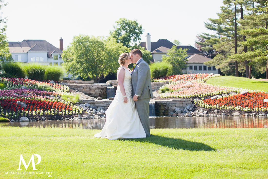 wedding-venue-selection-tips-columbus-ohio-muschlitz-photography-the-lakes-country-club-westerville