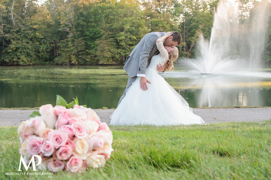 romantic-pink-wedding-brookside-country-club-portraits-muschlitz-photography-columbus-ohio